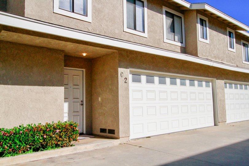 Beautiful villas with ample of car parking in Hamilton Villas of Costa Mesa