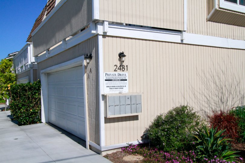 The side of a six unit apartment in Costa Mesa, California