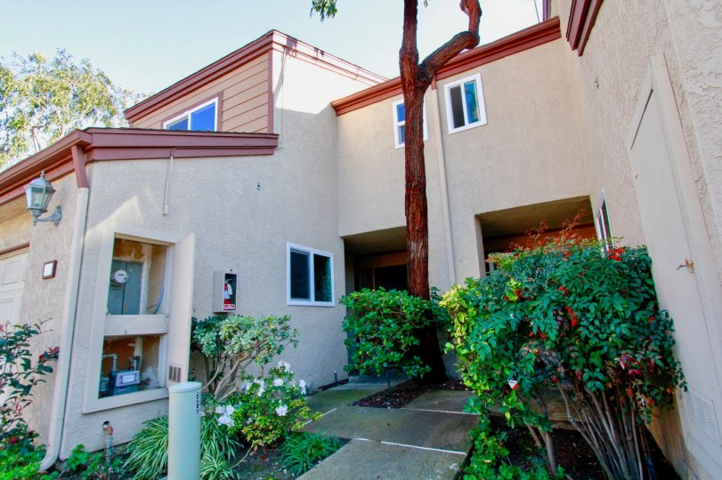 Pacific Crest Villas Costa Mesa California building front side very large wall found
