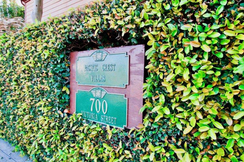 Pacific Crest Villas Costa Mesa California children park like enterance with nice name board