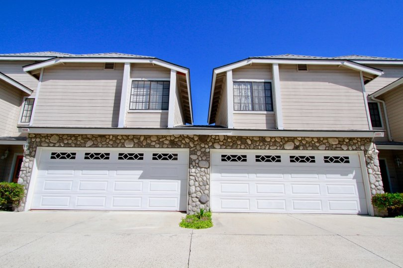 Excellent Spacious Villa with parking in River Rock of Costa Mesa