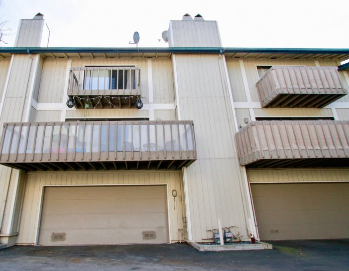 Sea Bluffs Condos Costa Mesa California light coloured painting with large balcony and pillars