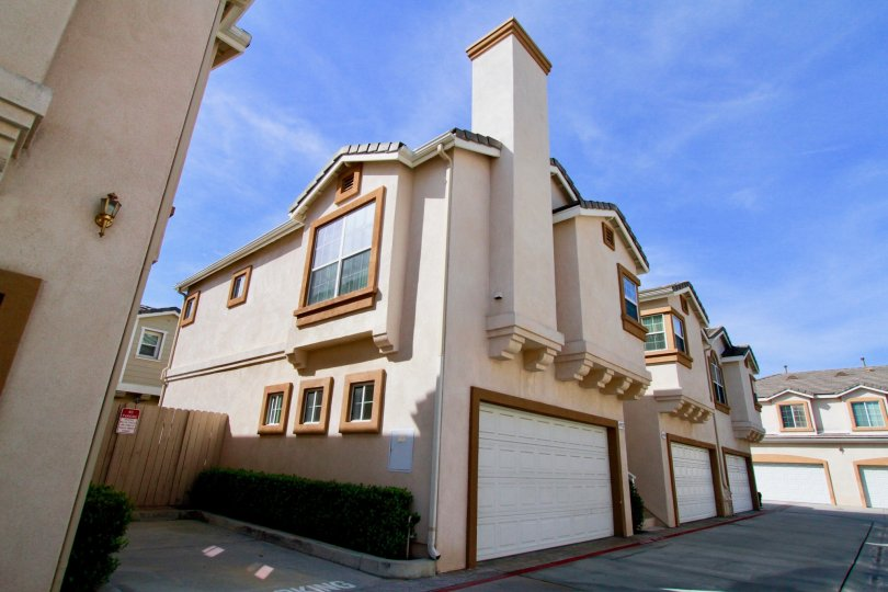 Exterior photograph of Bishop Glen Town homes in Cypress, California