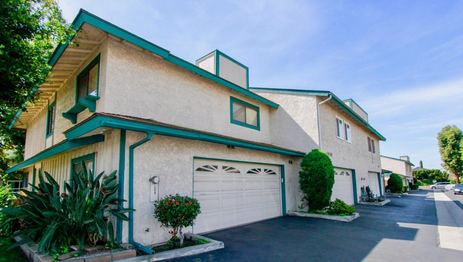 Cambria Townhomes Cypress California good looking building with neat green color border