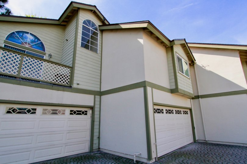Cambridge Commons cypress California grid design balcony and blue color windows
