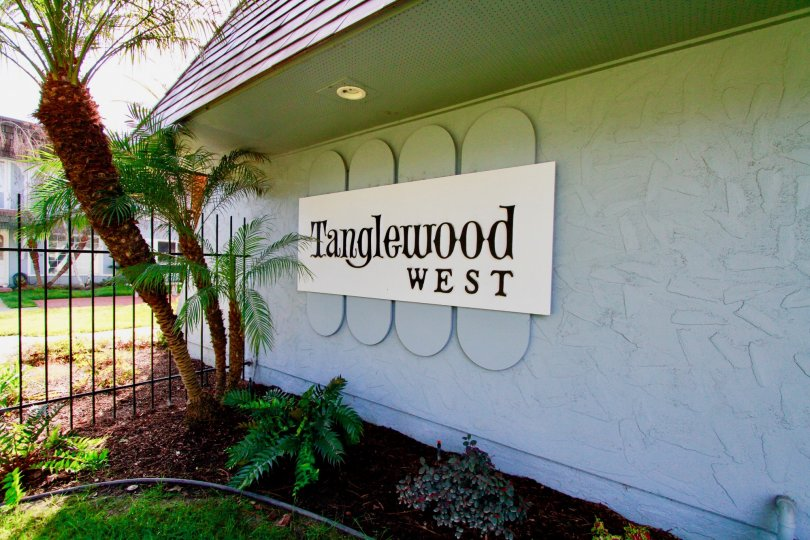 A welcome to the Tanglewood West community located in Cypress, California