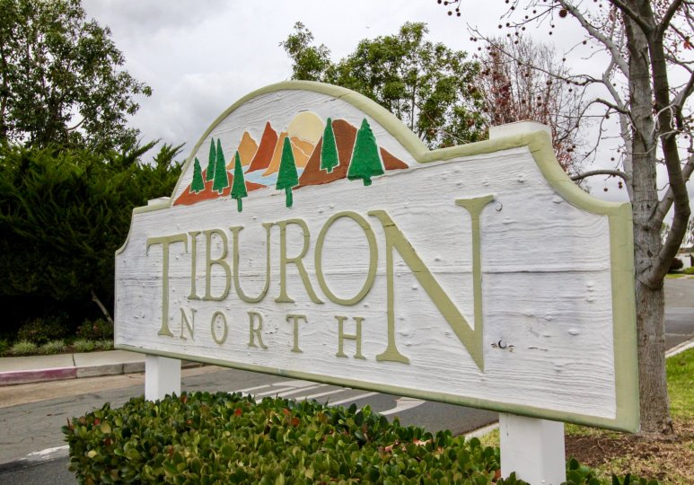 A white wooden sign with Tiburon North painted on it's surface in Fountain Valley CA