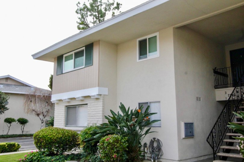 Casa Del Amo Fullerton California neat building with double shade glass windows and climbing staircase