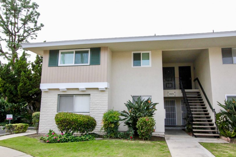 Casa Del Amo Fullerton California with neat outer structure with mild painting model