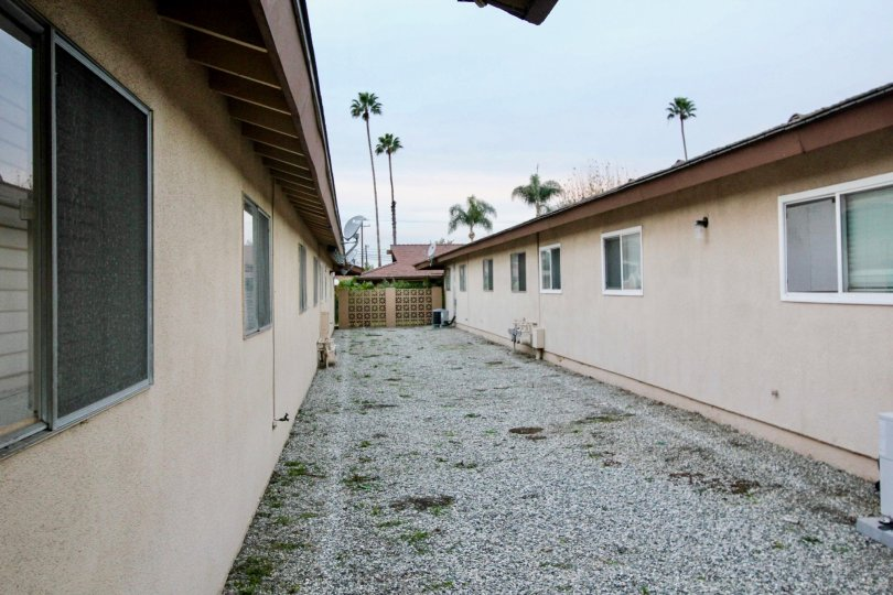 Coco Palms Fullerton California lengthy path linear roofed buildings on both sides