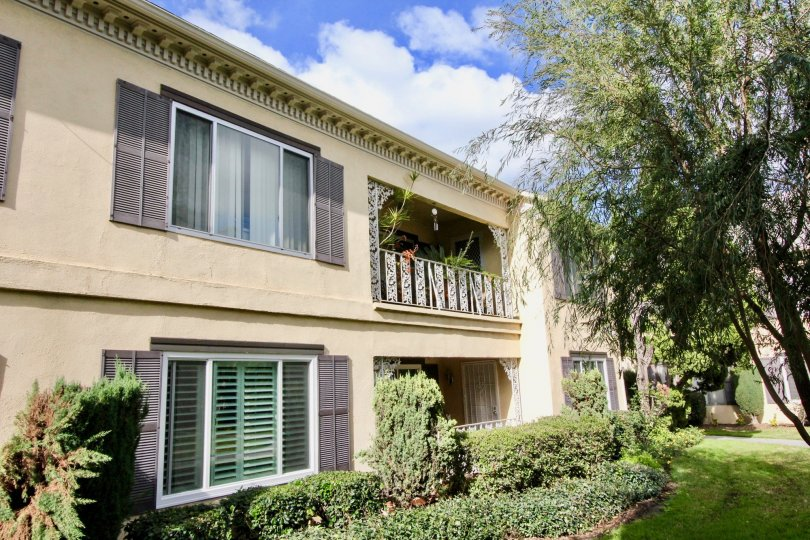 Meredith Manor Fullerton California double floored block with broad windows and cute trees