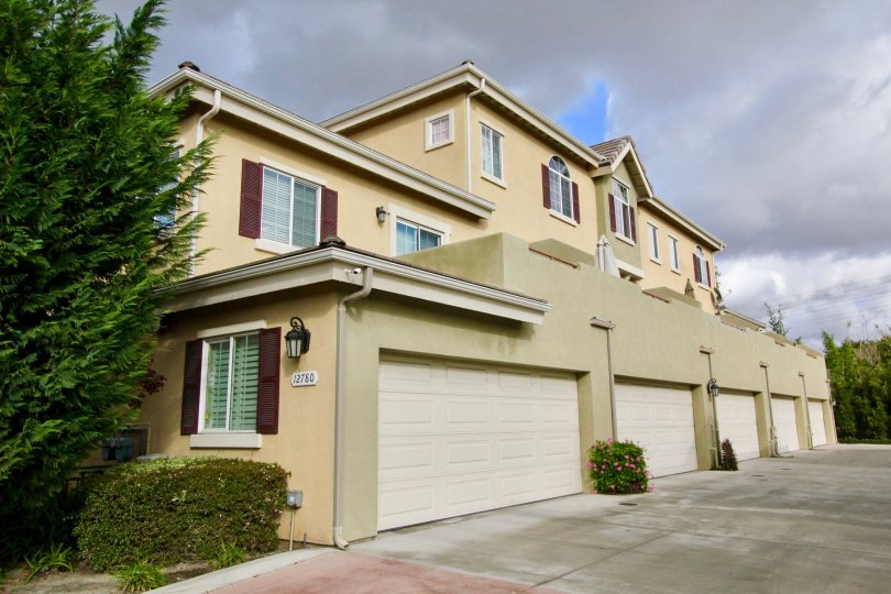 Lorna St is a house in Garden Grove, CA 92841. This 1, 361 square foot house sits on a 8, 100 square foot lot and features 3 bedrooms and 2 bathrooms.