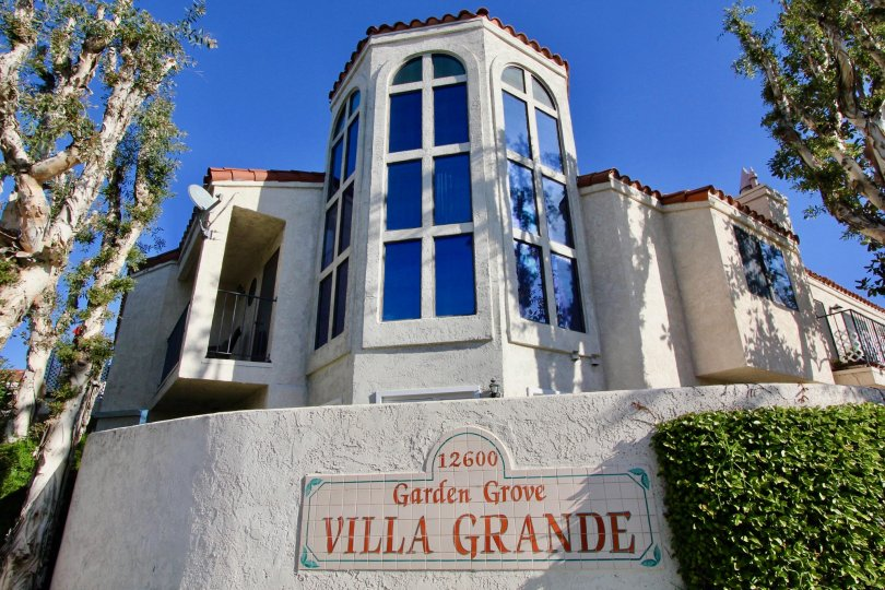 The Villa Grande in the Garden Grove with a beautiful Building and bushes