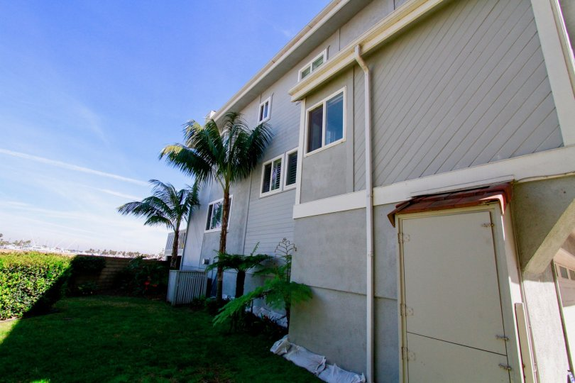 Nice Villa with palm trees and sunshade in Bayport of Huntington Beach