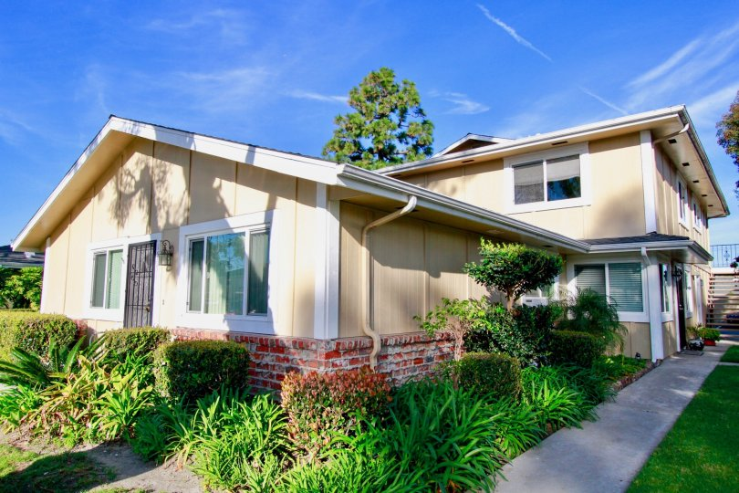 A beautiful building with lot of greenary in Huntington Gardens and also with clean street.
