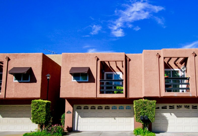Cute looking individual villas with terrace in Pacific Terrace in Huntington Beach