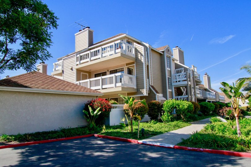 Nice Independent villas with garden in Pointe Surfside of Huntington Beach