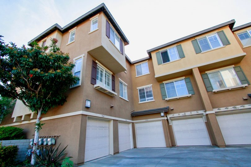 Fabulous sky view of villas with parking place in Promenade of Huntington Beach