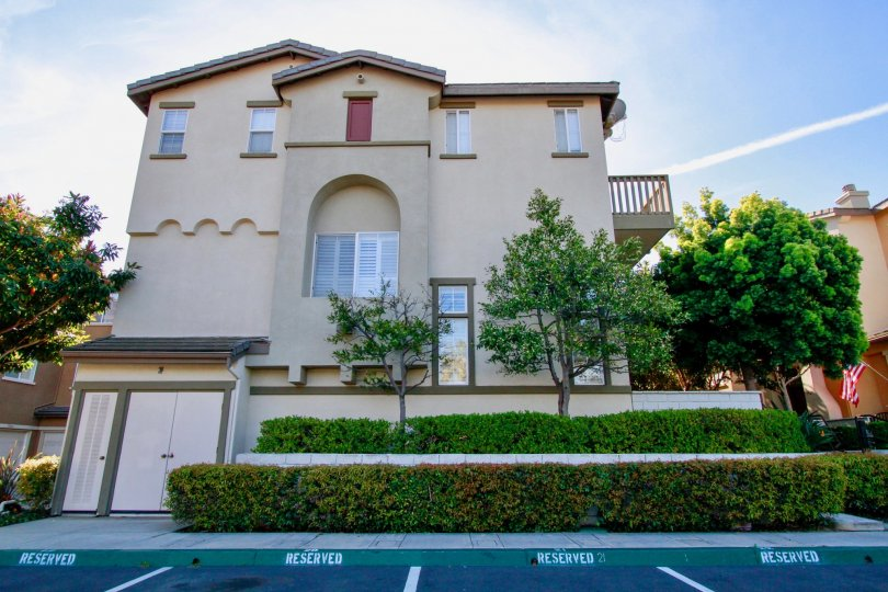 Excellent Outer view of Villa with greenary in Promenadeof Huntington Beach