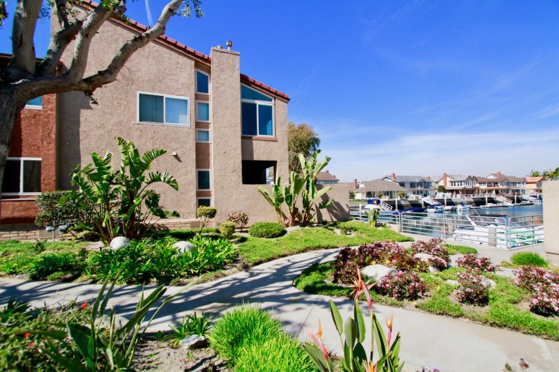 the beach house is loacate in top portion of near beach which is loacate in sea harbout of huntington beach california