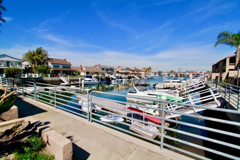 the sea harbour the house infornt of boating is looking is awesome tosee in huntington beach in california