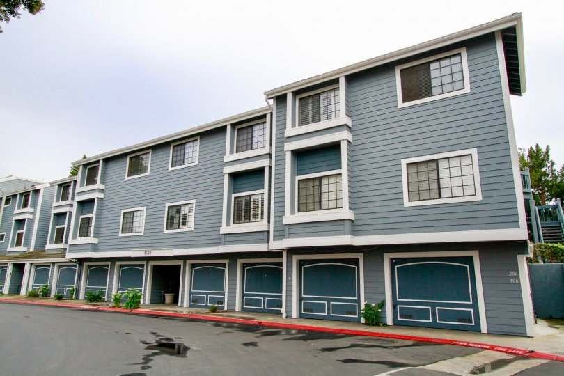 THE APARTMENTS WITH TWO FLOORS AND MORE WINDOWS ALSO THERE IT LOOKS LIKE SAME BUILDINGS AND ONE MAIN ENTRANCE ALSO AVAILABLE WITH FLOWER WASHES