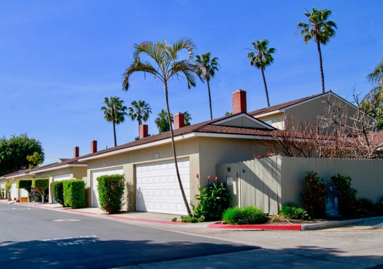 Nice Villas with palm trees around in Surfside of Huntington Beach
