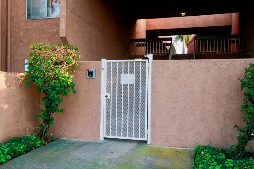 THE VILLA WARNER THE ENTRANCE OF BULIDING IS NICE FOR SMALL GATE IN huntington beach IN CA
