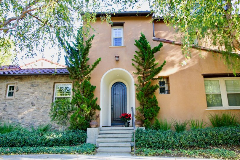 Another beautiful home in the Canyon's Edge community.