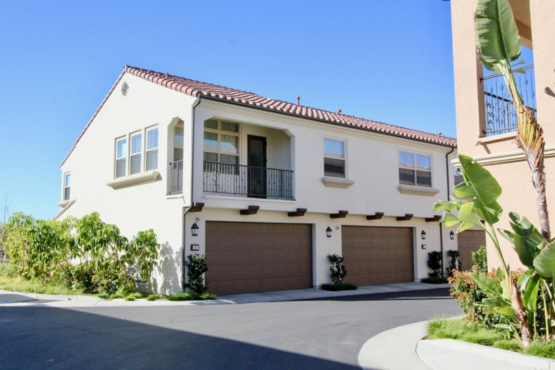 This beautiful two-story home includes a Gourmet kitchen with Bosch built-in stainless steel appliances, gas cook top, electric wall oven, built in microwave and dishwasher, Broan hood at cook top, Caesarstone kitchen counters and Island in Linen with ful