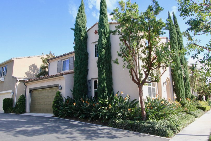 IrvineHomesCA. com. Decada is located in the area of Portola Springs, Irvine California, Irvine California. Decada is mostly made up of attached and detached 2 story zoned condos or single family homes, could be both, with 2 to 4 bedrooms, 2 to 3 bathroom