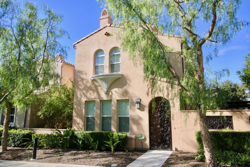 Nice Villa with windows and trees having front space in Decada of Irvine