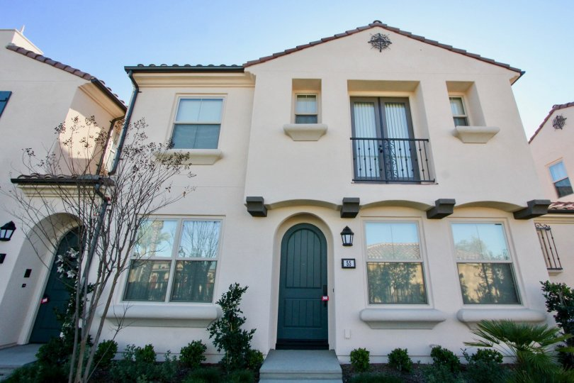 Entire home has been remodeled. New kitchen, new baths, new flooring, new fireplace. Top floor master bedroom has a vaulted ceiling and ocean view of Catalina. Single car garage with covered carport and private patio. This townhome faces Talbert Regional