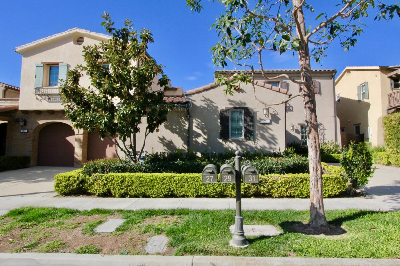 A Nice Indendent Villa having lawn and trees in Los Arboles of Irvine
