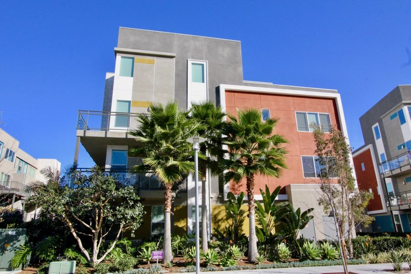 A modern building on a sunny day in the Manhattan community in Irvine California