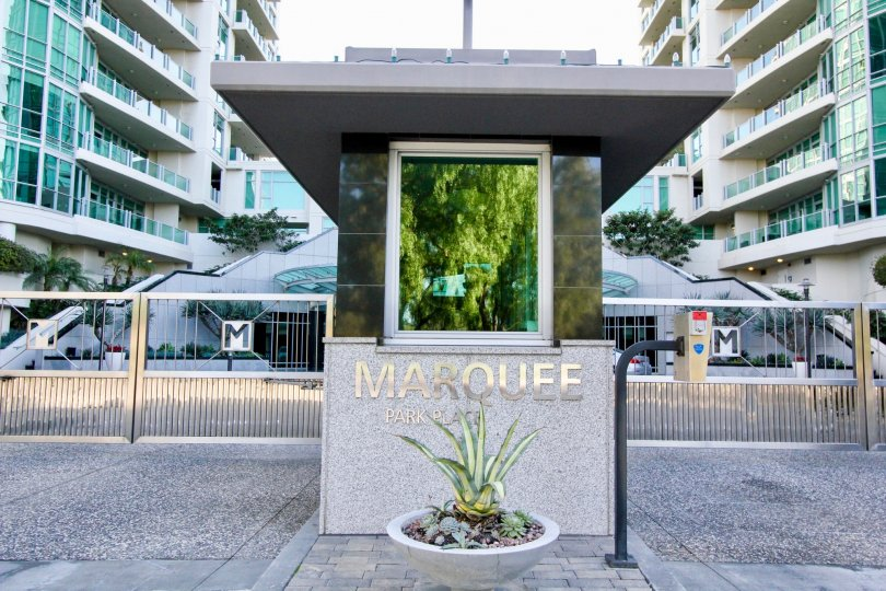 Apartment in Marquee at Park Place is made up of glasses