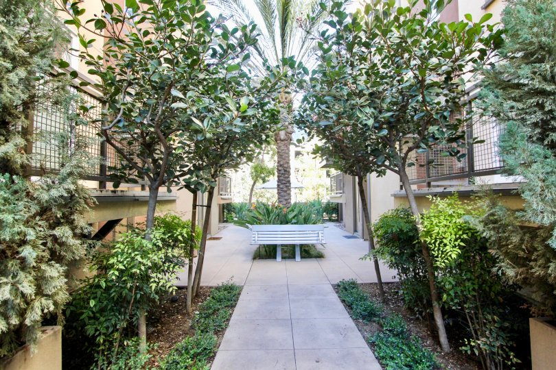 The Maxfield condos are part of the master development community of Central Park West in the City of Irvine. It is a luxury urban style living located just south of 405 Freeway off Jamboree Road on Rockefeller street. Maxfield residences consists of 36 to