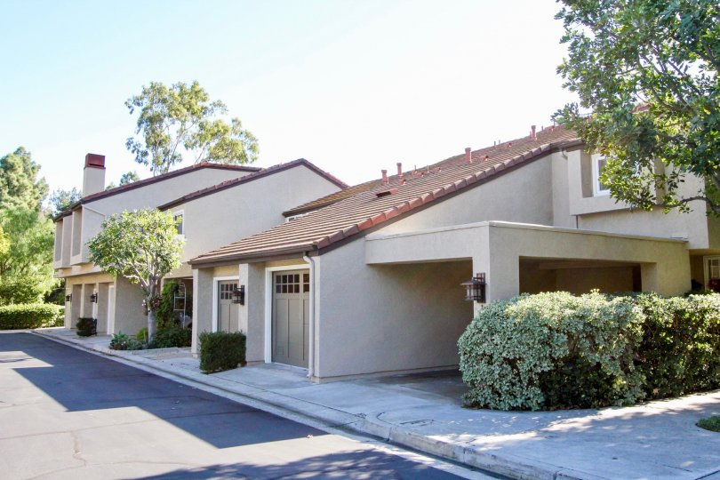 Fabulous villas with ample space and trees around in Princeton Townhomes of Irvine