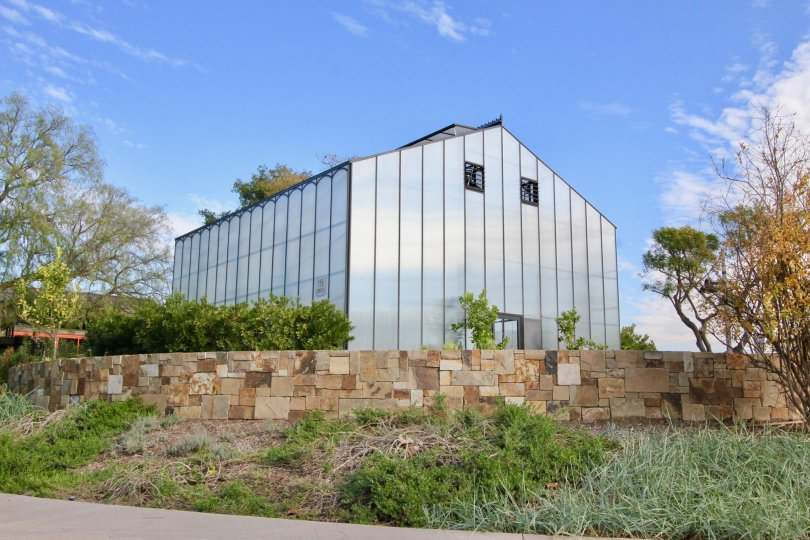 A building in Roundtree is fully made up of glass with compound wall