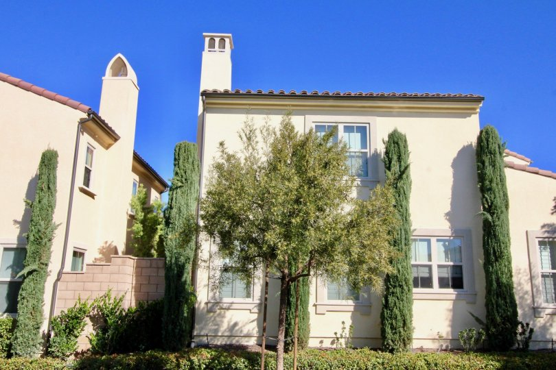 A house with many trees and pleasant entrance in Santa Cruz Irvine california