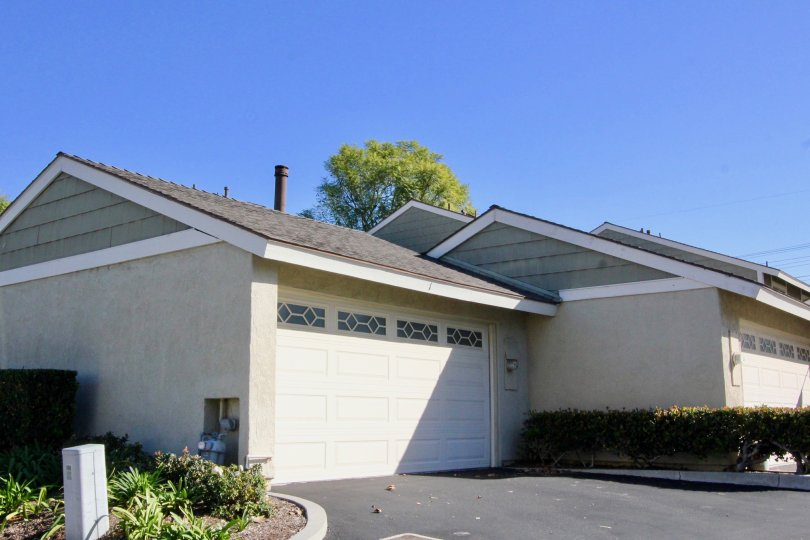 A sunny day at the smoketree community showing an elegantly designed house