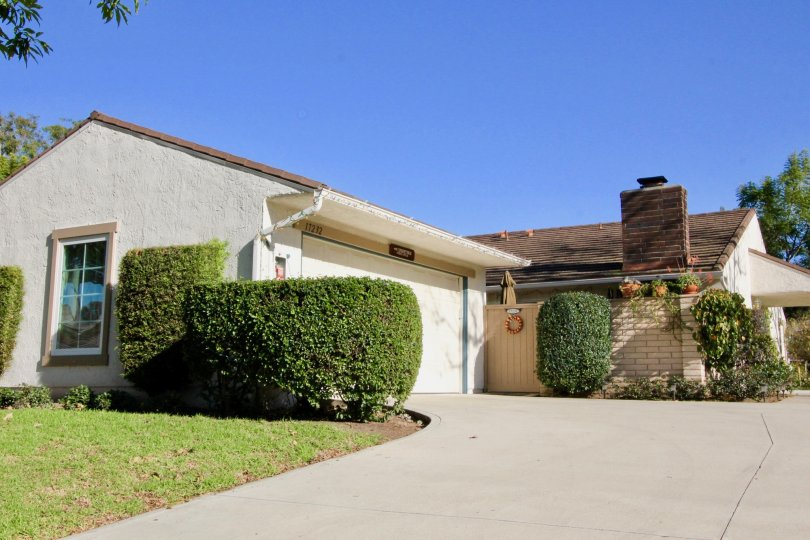 A bungalow with spacious driveway in the Terrace community.