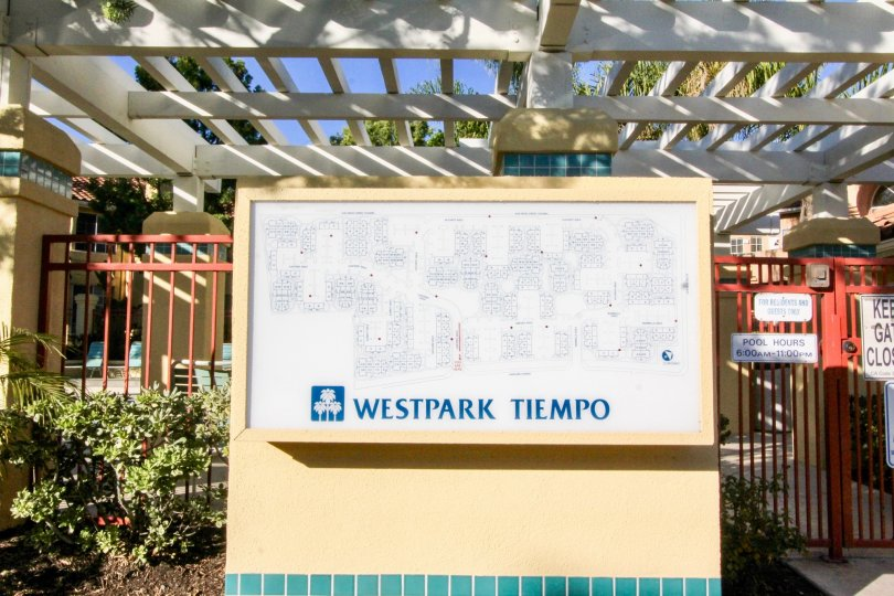 Nice entrance of a parkview with signboard and rooftop in Westpark Tiempo of Irvine