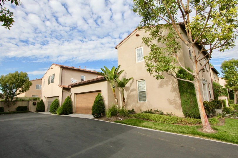 Beautiful townhome witha single car garage in the community of Wisteria, Irvine California.