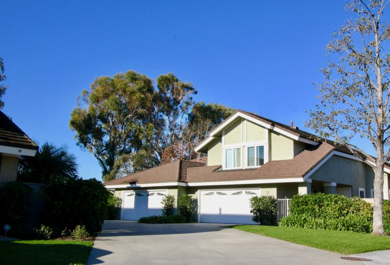 Spacious Home with two stories and space for multiple cars in Woodbridge Grove, Irvine California