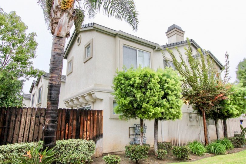A villa is in la habra glen with lots of trees and pleasent place