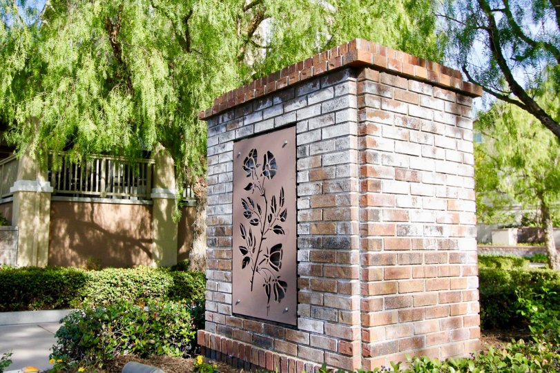 Brick welcome sign at Briar Rose in Ladera Ranch, CA