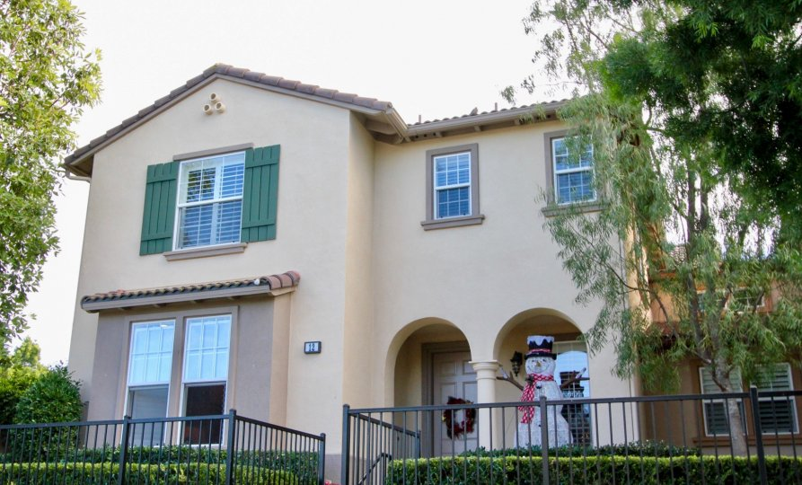 Charming, warm housing complex in Greenbriar community of Ladera Ranch California