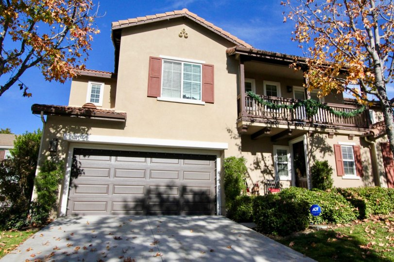 A beautiful duplex with lots of window in the community of Potter Bend in Ladera Ranch of California State