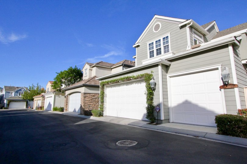 Townhouse living. Ladera Ranch, California. Community of St. Mays Road